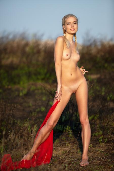 EroticBeauty: Aljena A. - Red Cape 2