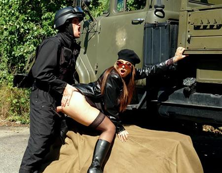 Секс для солдата как бонус